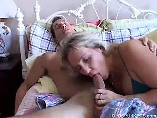 Sex sa mamicama